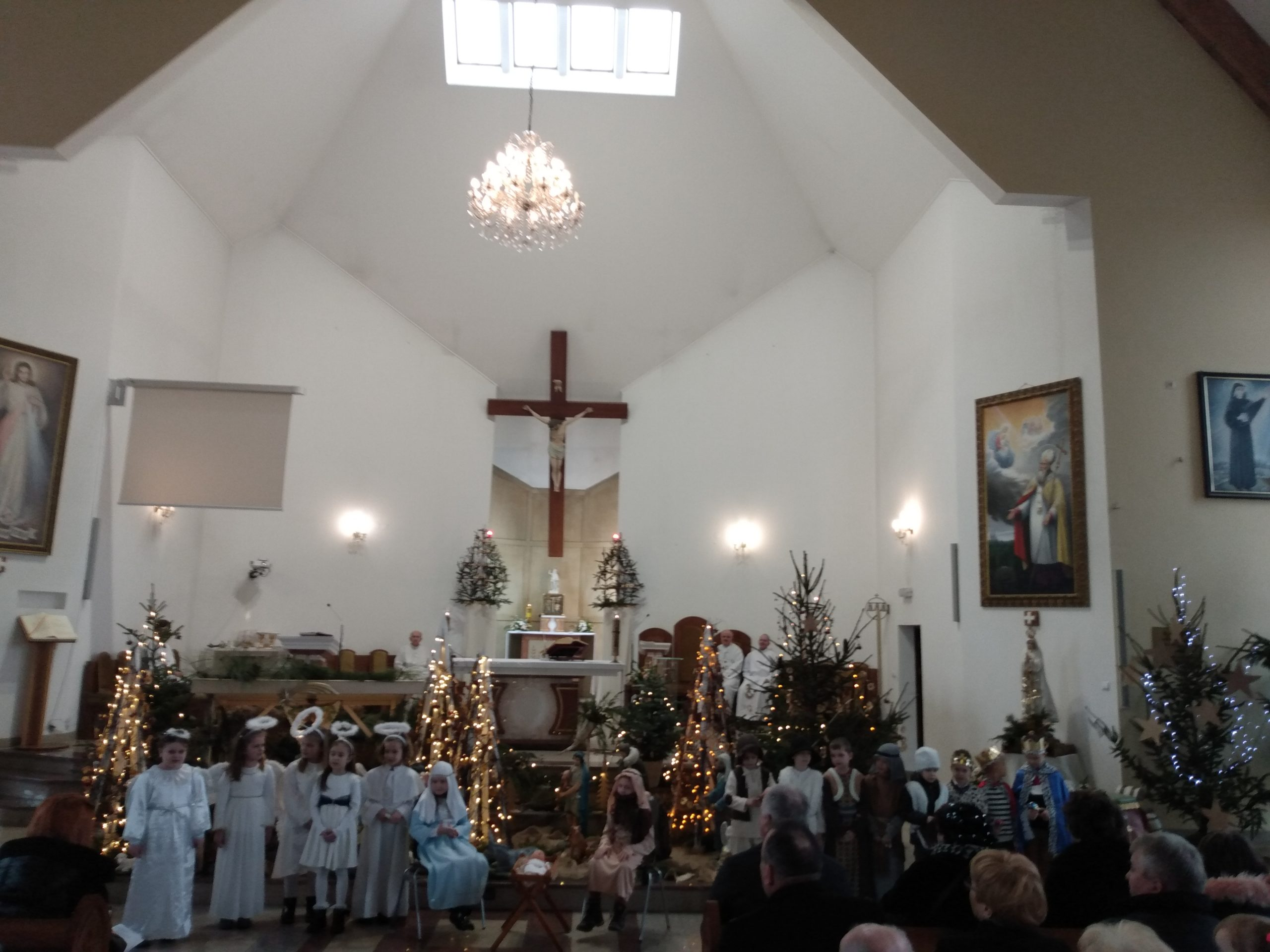 Jasełka w wykonaniu Dzieci z Przedszkola Miejskiego nr 5 oraz koncert kolęd i pastorałek